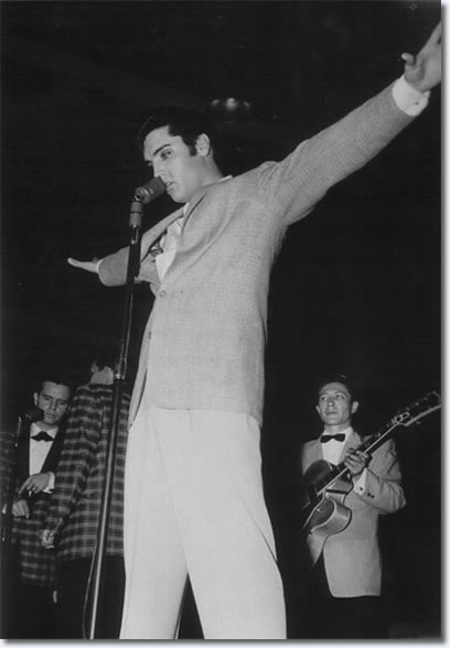 Elvis Presley - Pan Pacific Auditorium, Los Angeles - October 29, 1957