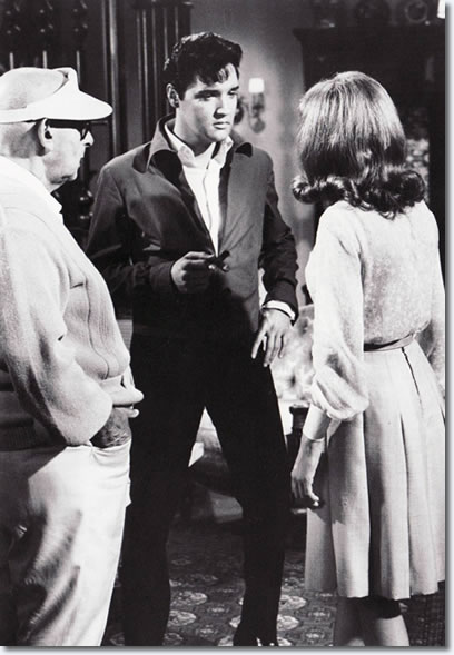 Directer Norman Taurog, Elvis Presley and Annette Day