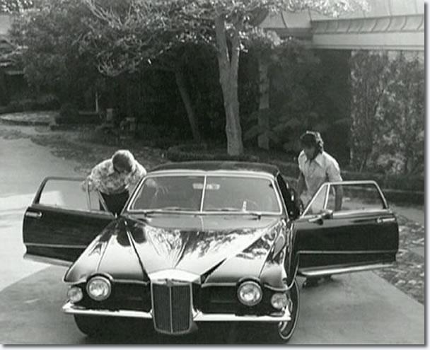 Elvis with his 1971 Stutz Blackhawk production model - 144 Monavale Street, Beverly Hills - September, 1971