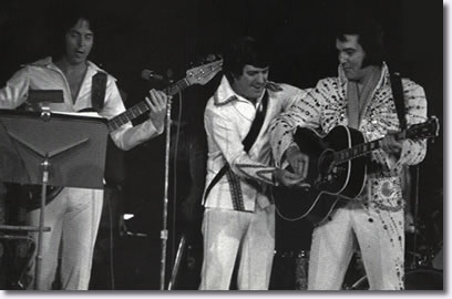 Duke Bardwell, Charlie Hodge and Elvis Presley : 1974