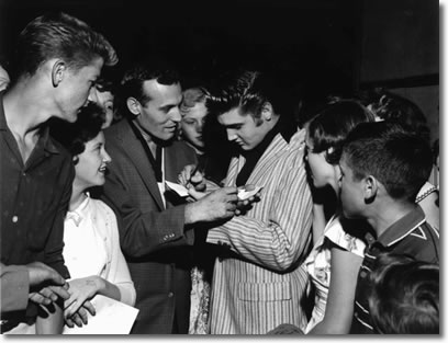 Carl Perkins and Elvis Presley swap autographs, Memphis June 1, 1956