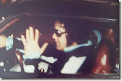 The last known photo of Elvis taken August 16, 1977