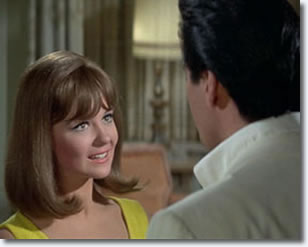 Shelley Fabares and Elvis Presley in Spinout