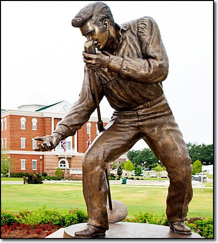 Elvis' Birthplace Unveils New Statue