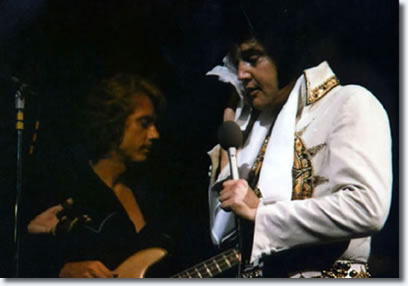 Jerry Scheff with Elvis on stage : June 26, 1977.