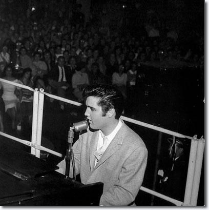 Elvis Presley - Pan Pacific Auditorium, Los Angeles - October 29, 1957