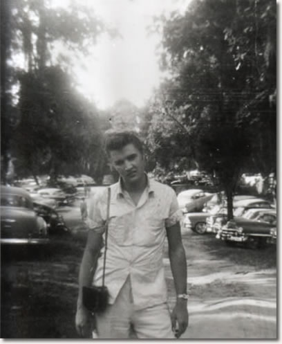 Elvis taking a break during a heavy tour schedule : May 1955.