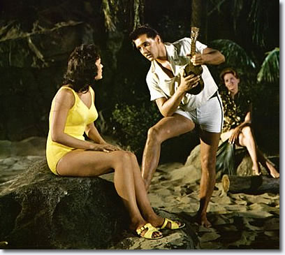 Joan Blackman and Elvis Presley in Blue Hawaii - 'Can't Help Falling In Love'
