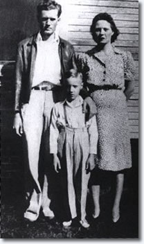 Vernon, Elvis, Gladys Presley, 1941