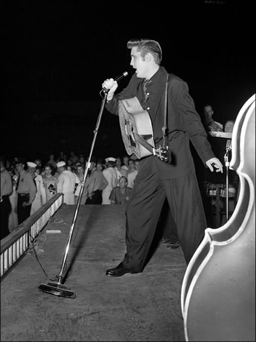 Elvis Presley : Russwood Park, Memphis, Tennessee : July 4, 1956.