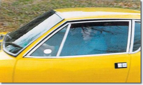Elvis Presley paid $2,500 for the 1971 De Tomaso Pantera in 1974 for himself and his new girlfriend, a beauty queen called Linda Thompson.