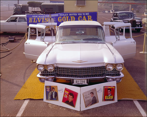 Elvis fans loved seeing Elvis' stunning car, up close and personal.